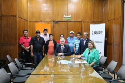 Pobladores de Nueva Toledo piden pavimentación asfáltica al MOPC
