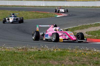 Fórmula 4: Duerksen cerró una dura segunda fecha