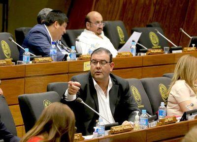 Rivas solicitó su desafuero y sería tratado hoy en la sesión