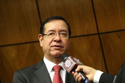 """Fiscalía """"congelaría"""" imputación a Cuevas mientras sea presidente"""