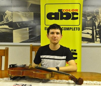 José Benítez exhibe contrastes en la viola