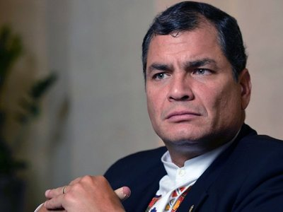 Rafael Correa sopesa postularse  como Fernández en Argentina