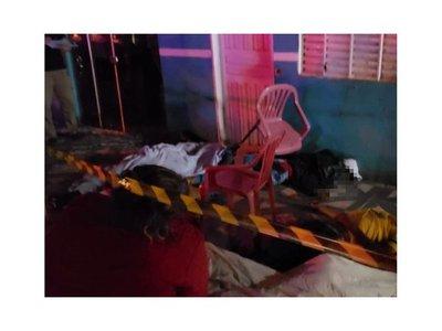 Acribillan a seis jóvenes frente a una casa en guerra narco, en PJC
