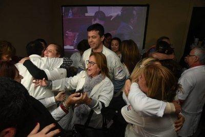 Senado rechaza veto del Ejecutivo y jubilación especial de médicos queda firme