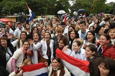 Médicos festejan rechazo al veto de Mario Abdo Benitez
