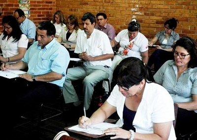 MEC convoca a docentes para cubrir 11.000 cargos
