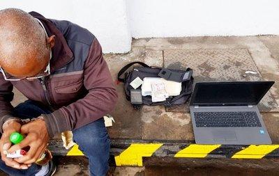 Holandés cae con 1 kg de cocaína