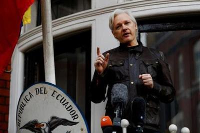 EE.UU. acusa a Julian Assange con nuevos cargos por violar leyes antiespionaje