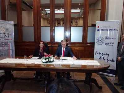 Firman convenio de cooperación para capacitación de funcionarios