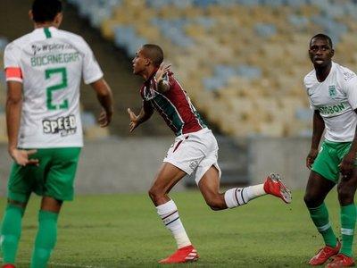 Fluminense somete a Atlético Nacional