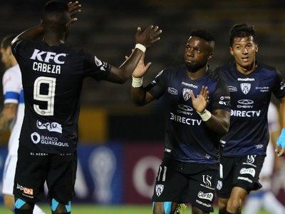 Independiente vapulea a Universidad Católica y enfila su clasificación