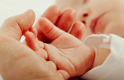 'Es lo mejor para ella': la desgarradora carta de una madre que abandonó a su hija recién nacida