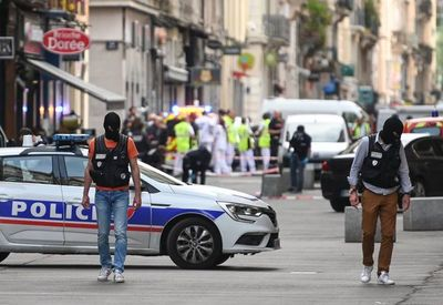 Trece heridos en atentado con paquete bomba en ciudad francesa de Lyon