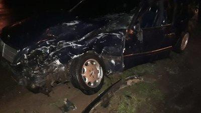 Camioneta de BNF quedó destruida en accidente