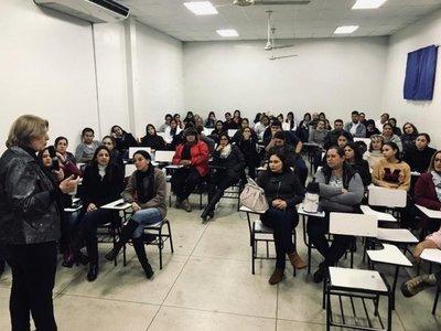 Psicólogos brasileños ofrecieron sus conocimientos en Pedro Juan Caballero