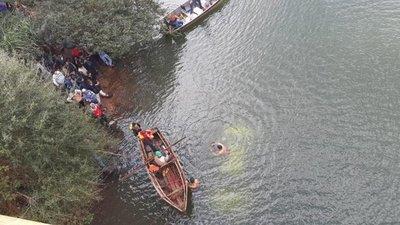 Vehículo cayó de un puente en Yguazú