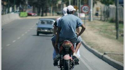 MOTOCHORROS ATACARON EN BARRIO LA PAZ DE ENCARNACIÓN.