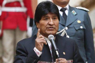 Evo Morales critica a oposición por acudir a Colombia para frenar candidatura