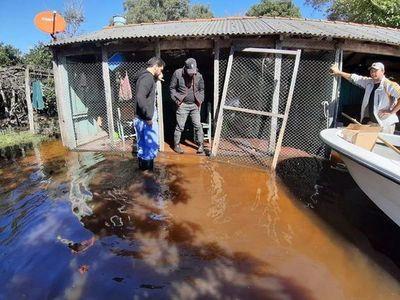 Misiones: salud asiste a pobladores aislados por inundaciones