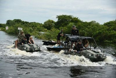 Militares asisten a damnificados en el Chaco