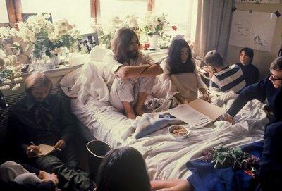 Hace 50 años, Lennon y Yoko pedían una chance para la paz