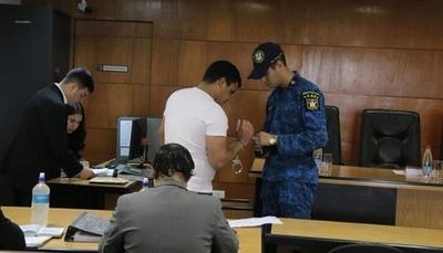 Condenan a cuatro años de cárcel a policía por ataque a sede del PLRA