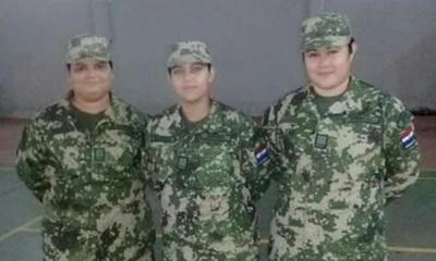Mujeres de las Fuerzas Armadas en Miss Gordita