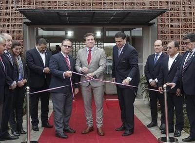 HOY / APF inaugura su nuevo complejo deportivo