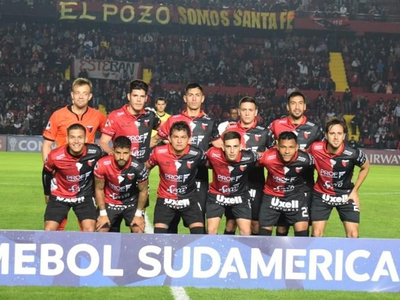 Colón de Santa Fe dejó fuera al River Plate de Uruguay