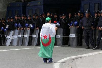 Argelia: Una activista muere en la cárcel tras 50 días en huelga de hambre