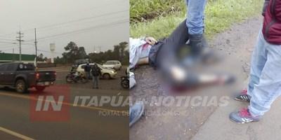 AUTOMÓVIL HUYÓ TRAS IMPACTAR CONTRA UN MOTOCICLISTA EN RUTA N° 6.