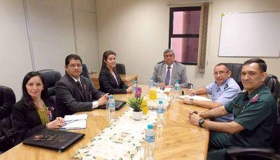 Cursantes del IAEE visitan sede judicial de Cordillera