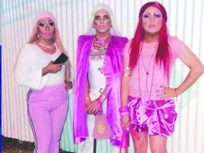 Denuncian homofobia de chofer de MUV