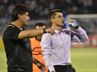Guaraní se queda sin técnico