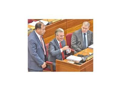 Senador de Añetete pide a Marito que destituya al presidente del IPS