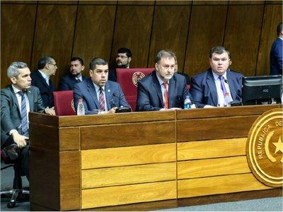 Lluvia de críticas a  reforma fiscal en primera audiencia en  el Senado