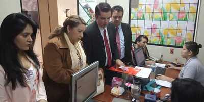 Exintendente interina Perla de Cabral es denunciada por lesión de confianza