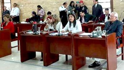 Descubren que María Portillo tiene una decena de asistentes en la Junta