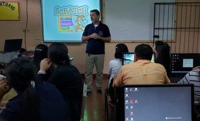 Programación creativa para docentes de nuestro país