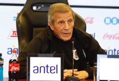 """El """"Maestro"""" Tabárez definió la lista de 23 futbolistas"""