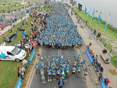 La corrida solidaria más grande del país reunió a más de 4.000 corredores