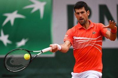 Djokovic se clasifica por la vía rápida