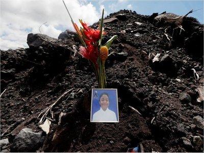 Los rostros de la tragedia del Volcán de Fuego, un año después