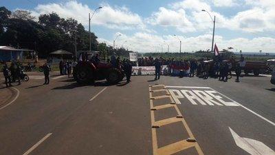 Mandioqueros cierran ruta en San Pedro