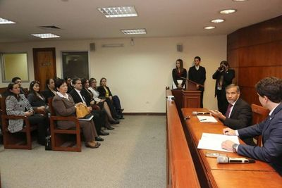 Ministro mantuvo audiencia con defensores públicos