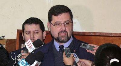 Ex ministro de Educación, Luis Riart, enfrenta juicio oral público por compra irregular del  Excélsior