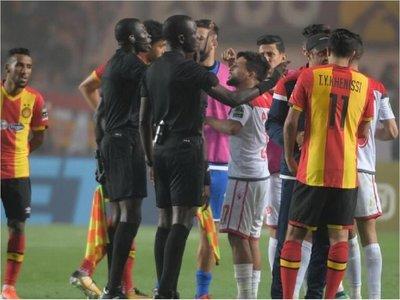 """Obligan a repetir final de la """"Champions"""" africana tras polémico arbitraje"""