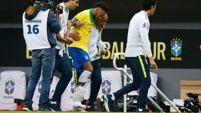 Tras lesión Neymar queda fuera de la Copa América
