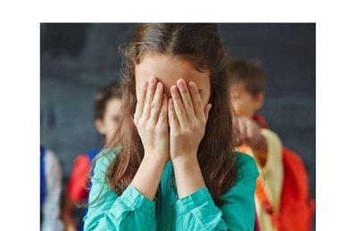 Alumnas de colegio denuncian acoso de director