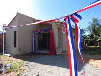 MUVH entregó 135 viviendas a familias en Itauguá